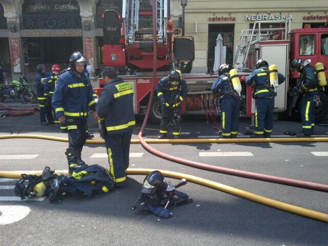 Incendio en la cubierta del Teatro Alcázar (2/4)